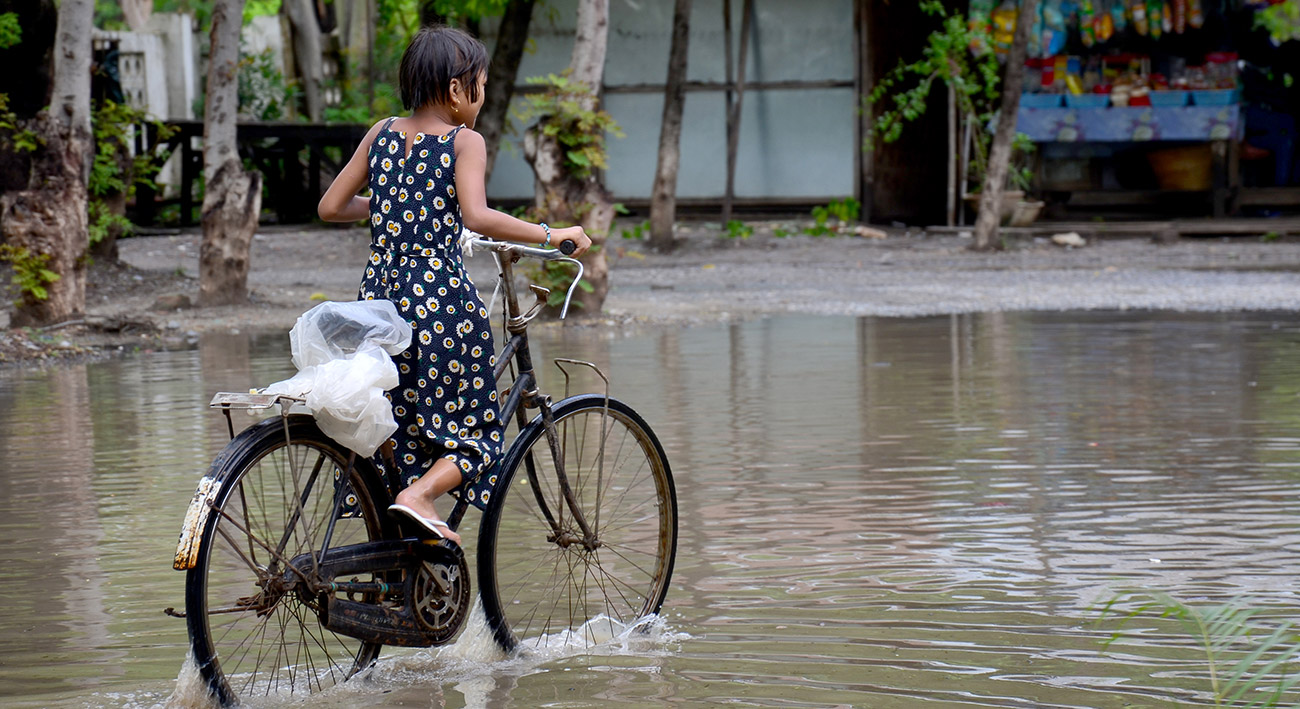 Unterwegs im überfluteten Myanmar